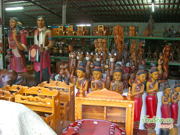 ร้านเฟอร์นิเจอร์ไม้แดง แปรรูปจากพม่า ที่เที่ยวประจวบ