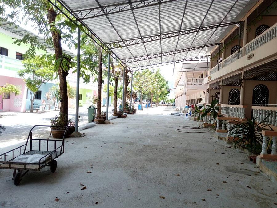 ตึกห้องพัก ที่พักปราณบุรี ติดทะเล