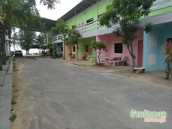บ้านสายธาร 2 เตียงใหญ่ ที่พักติดทะเลปราณบุรี