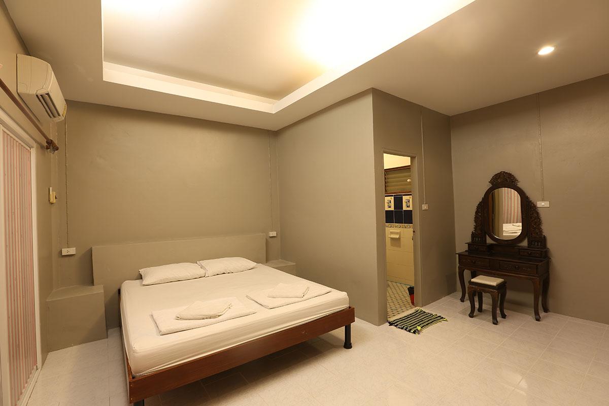 ตะวันฉาย ห้อง 2 ท่าน เตียงเดี่ยว