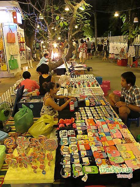 cicada market สวนศรี สินค้าเก๋ ๆ ให้เลือกช๊อปมากมาย