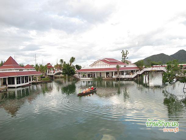 เรือดนตรีไทยที่ตลาดน้ำหัวหิน