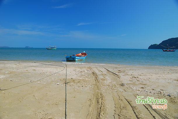 ชายหาดปราณบุรี อากาศดีมาก บ้านรักทะเล
