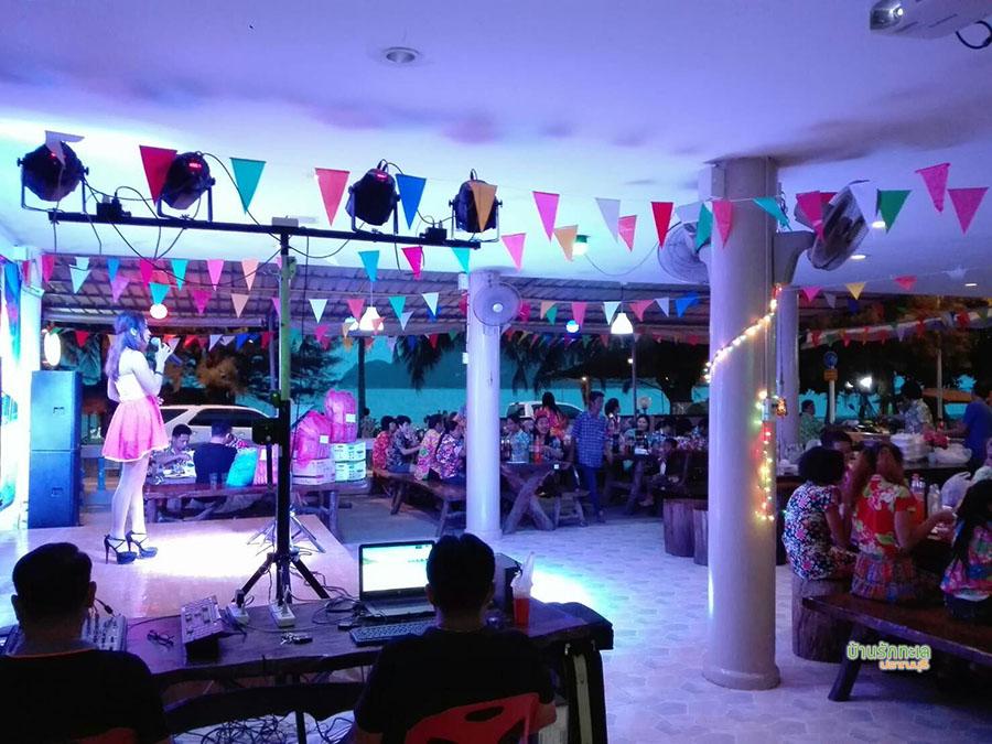 ร้านอาหารวิวทะเล ที่พักปราณบุรี ติดทะเล