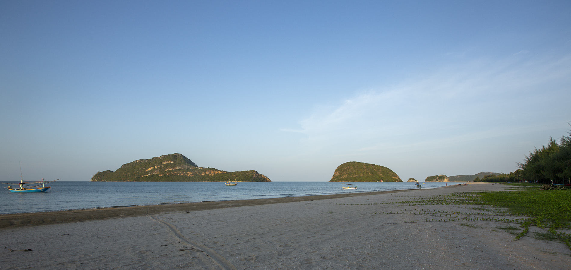 beach-baanruktalay24