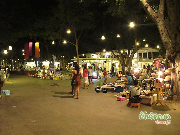 Cicada Market ณ สวนศรี เขาตะเกียบ หัวหิน